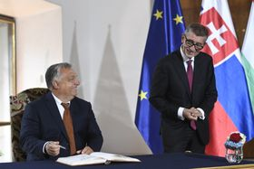Виктор Орбан и Андрей Бабиш, фото: ЧТК/Kamaryt Michal