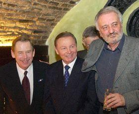 Václav Havel, Rudolf Schuster y Milan Lasica (actor eslovaco) en Bratislava, Foto: Roman Casado