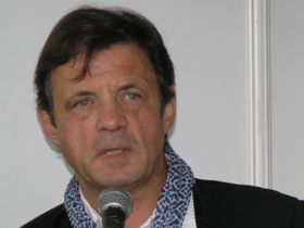 Petr Sís (Foto: Matěj Baťha, Wikimedia Commons, CC BY-SA 3.0)