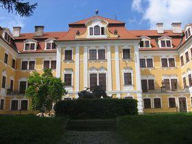 Schloss in Chlum (Foto: Esperanto-klubo Písek, Wikimedia CC BY-SA 3.0)