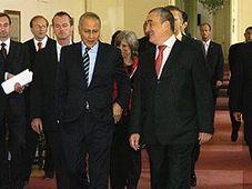 Egyptian Foreign Minister Ahmed Aboul Gheit and his Czech counterpart Karel Schwarzenberg