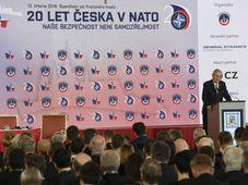"""La conferencia """"Nuestra seguridad no viene de por sí dada"""", foto: ČTK/Michal Krumphanzl"""