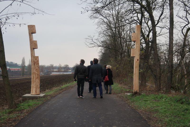 Holzskulptur auf dem Freiheitspfad (Foto: Martina Schneibergová)