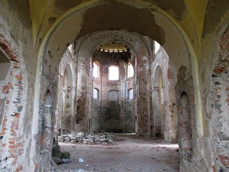 Působivý interiér kostela ve Svatoboru na Karlovarsku, foto: Pavel Halla, archiv ČRo