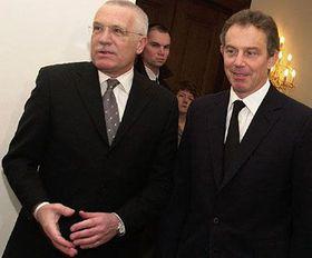 Tony Blair habla con Václav Klaus, Foto: CTK