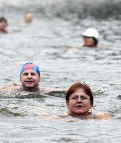 58th annual swim in Vltava River, photo: CTK