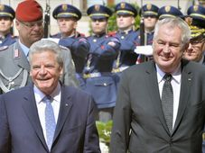 Joachim Gauck y Miloš Zeman, foto: ČT