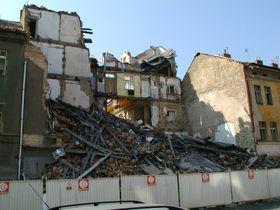 Пражский район Карлин, август 2003 (Фото: Яна Шустова)