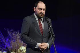 Zdeněk Hazdra inaugurando la nueva edición del festival contra el totalitarismo Mene Tekel, foto: ČTK/Deml Ondřej