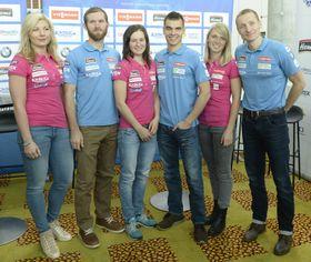 Les biathlètes tchèques : Lucie Charvátová, Michal Šlesingr, Veronika Vítková, Michal Krčmář, Eva Puskarčíková et Ondřej Moravec, photo: ČTK