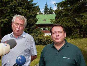 Premiér Jiří Paroubek aMiloš Zeman (vlevo), foto: ČTK