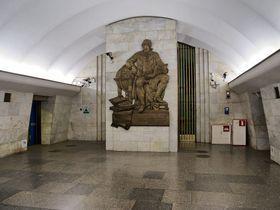 Петербургский метрополитен, станция Ломоносовская, Фото: Florstein, CC BY-SA 3.0