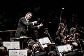 Tugan Sokhiev et l'Orchestre National du Capitole de Toulouse, photo: Marco Borggreve, Site officiel du Festival du Printemps de Prague