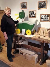 Sonja Vydrová im Museum (Foto: Maria Hammerich-Maier)