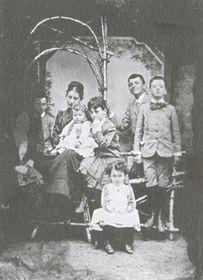 Rodinná fotografie zroku 1890