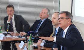 Christian Rühmkorf, Bernard Bauer, Pavel Roman und Michael Krüger (Foto: Jan Sommerfeld, Archiv DTIHK)