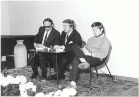 Václav Havel a Václav Sloup během autorského čtení v Památníku národního písemnictví, 1969, фото: Památník národního písemnictví v Praze, CC BY-SA 4.0