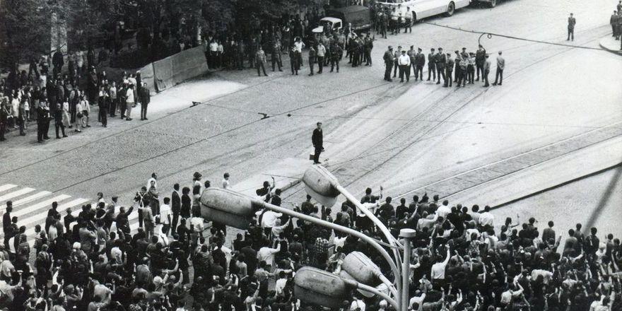 Srpen 1969 v Praze, foto: Muzeum policie ČR