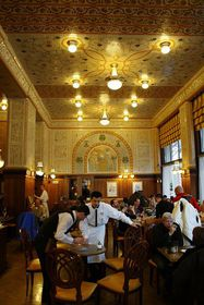 Café Imperial, photo: paddy, CC BY-SA 3.0 Unported