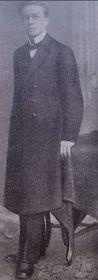 Фотография лесбиянки, одетой в мужское платье, из учебника судебной медицины, выпущенного в промежутке между мировыми войнами (Фото: Reprofoto из книги «Голубая Прага»)