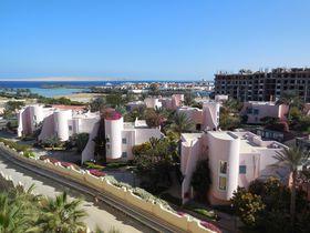 Hotelový komplex Zahabia, na jehož pláži byla Lenka C. pobodána, foto: Tanja Dědjukinová, CC BY 3.0