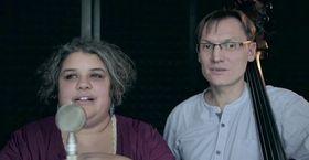 Petr Tichý y Ridina Ahmedová, foto: YouTube