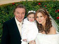 Карел Готт, супруга Ивана и дочка Шарлота Элла (Фото: ЧТК)