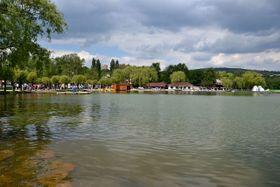 Квасцовое озеро, Фото: Petr Kinšt, CC BY-SA 3.0