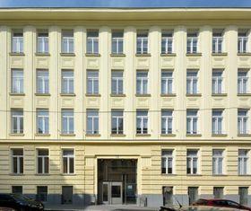 Komenského gymnázium na Schützengasse 31, foto: Peter Haas, Wikimedia Commons, CC BY-SA 3.0