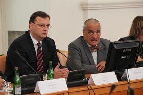 Petr Nečas y Karel Schwarzenberg, foto: Archivo del Gobierno checo