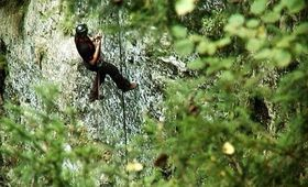 Base jump do Macochy, zdroj: Jumps. o.s.