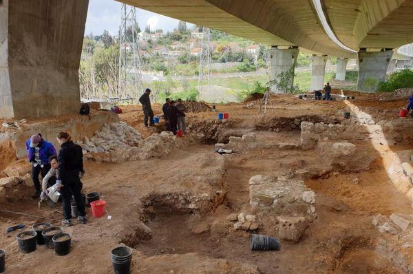 Les fondements présumés du Premier Temple, construit, d'après la Bible, par le roi Salomon au Xe siècle avant J.-C., photo: Štěpán Macháček, ČRo