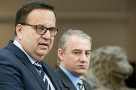 Министр промышленности и торговли Ян Младек и глава профсоюзов Йозеф Стржедула, Фото: ЧТК