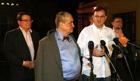 Alexandr Vondra, Karel Schwarzenberg y Petr Nečas, foto: ČTK