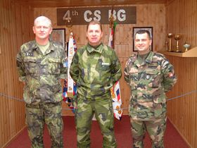 Comandante en jefe, teniente coronel, Zdenek Havala (por la izquierda)