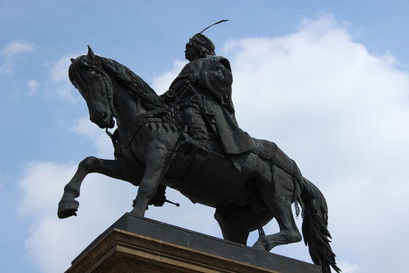Pomník Jiřího zPoděbrad vPoděbradech, foto: Richenza, Wikimedia Commons, CC BY-SA 3.0