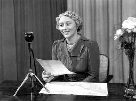 Helena Kronská, locutora.