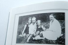 Семья Бем (Ирина в центре), Фото: Издательство Росток