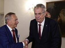 Jaroslav Kubera y Miloš Zeman, foto: ČTK / Roman Vondrouš