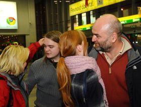 Les touristes revenant d'Egypte et débarquant à Prague ne cachent pas leur soulagement, photo: CTK