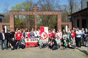 Glasgow Celtic and Prague Slavia fans pay homage to Johnny Madden, photo: Jan Kaliba