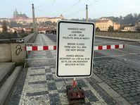 Mánes-Brücke bleibt am Samstag für den Verkehr gesperrt (Foto: Martin Králíček, Archiv des Tschechischen Rundfunks)