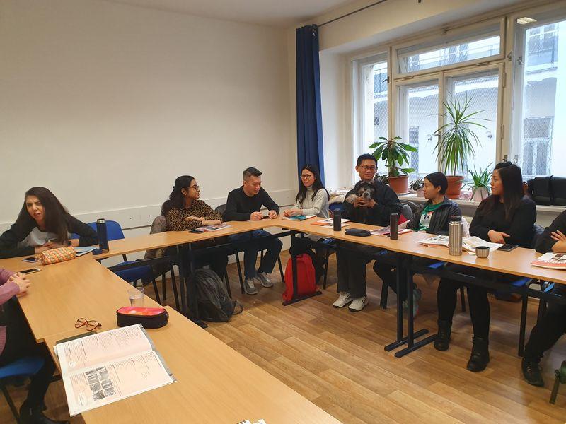 Урок чешского в Интеграционном центре Прага, фото: Ирина Ручкина