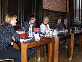 Tisková konference kvýstavě starých rukopisů, druhý zleva Zdeněk Lukeš