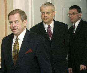 Václav Havel, Vladimír Spidla y Lubomír Zaorálek, Foto: CTK