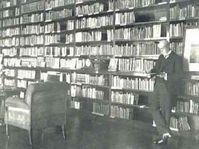 Tomáš Garrigue Masaryk v knihovně na zámku v Lánech
