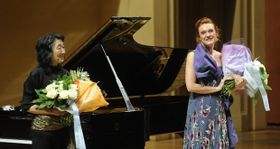 Magdalena Kožená (vlevo) aklavíristka Mitsuko Uchida, foto: ČTK