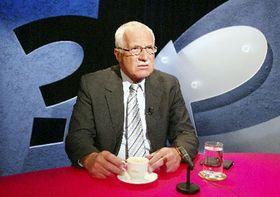 Президент Вацлав Клаус в воскресенье выступил на первом канале Чешского телевидения в программе «Вопросы Вацлава Моравце» (Фото: ЧТК)