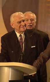 Český scénárista J. A. Novotný při udílení cen Český lev 2002, foto: ČTK
