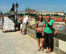 Carson Duggan, Stephanie Jones (right), photo: www.hc-slavia.cz
